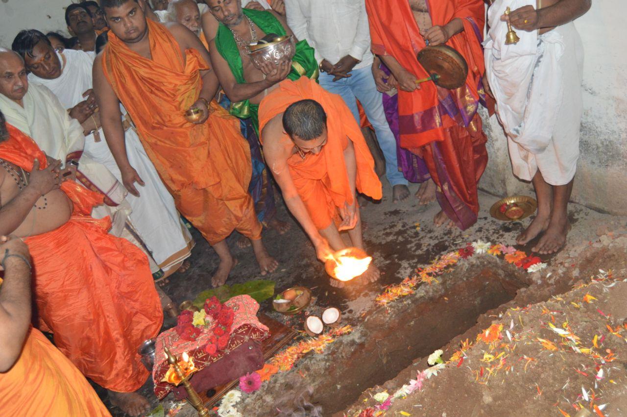 Hole-Narasipura-Kalyana-Mantapa (5).jpeg